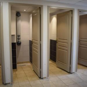 Sanitäreinrichtungen – Waschsalon mit komfort