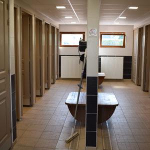 Neu renovierte Sanitäranlagen mit Komfort